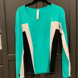 Lorna Jane long sleeve 3 color top